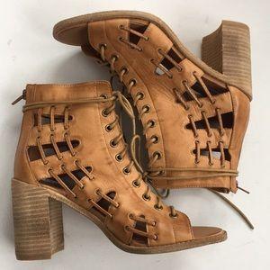 NWOT Steve Madden leather heels